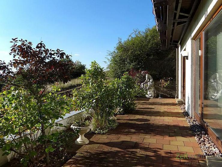 (EF0247_Y) Gotha: Waltershausen, möblierte 2-Raumwohnung mit Terrasse und Blick über den...