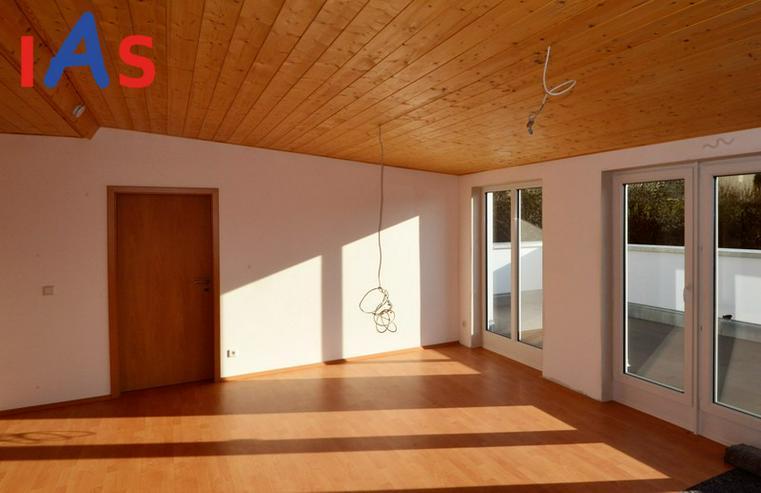 Bild 3: Gemütliche DG-Wohnung mit Dachterrasse in Kipfenberg zu verkaufen!