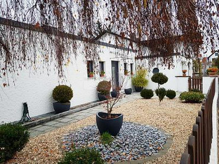 BUNGALOW MIT PANORAMAFENSTER & GROßEM GARTEN - Haus kaufen - Bild 1