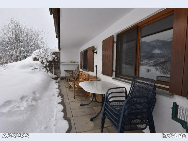 Befristete, möblierte 2 Zimmer Wohnung mit Süd Terrasse in Rauhenzell