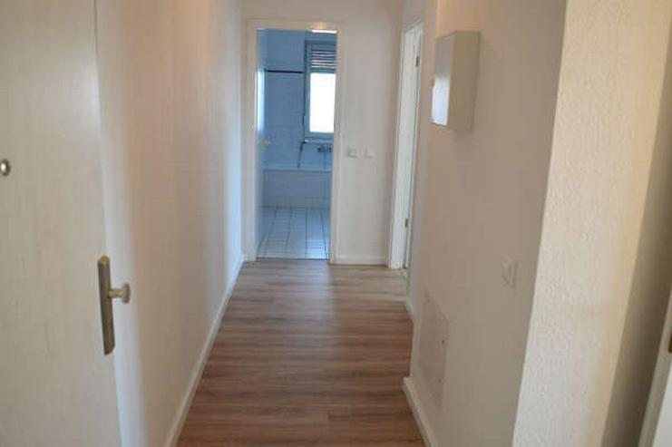 Bild 6: Modernisierte 2-Zimmerwohnung ohne Einbauküche