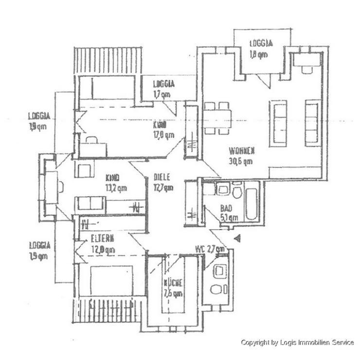 Bild 2: Anspruchsvolle Komfortwohnung mit 4 Balkone und giebelhohen Decken im Wohnzimmer