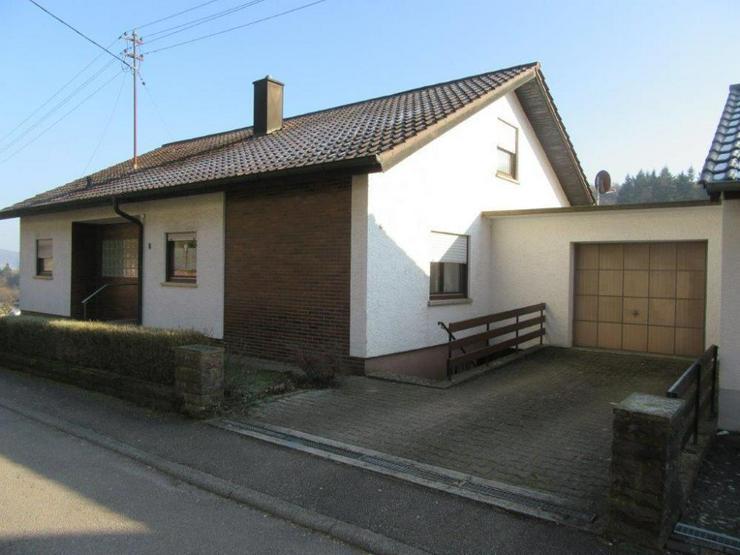 Tolle Aussichtslage! Freistehendes Einfamilienhaus in Obrigheim-Mörtelstein