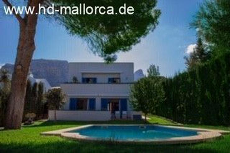 Bild 4: : Die blaue Villa zwischen dem Meer und den Bergen!