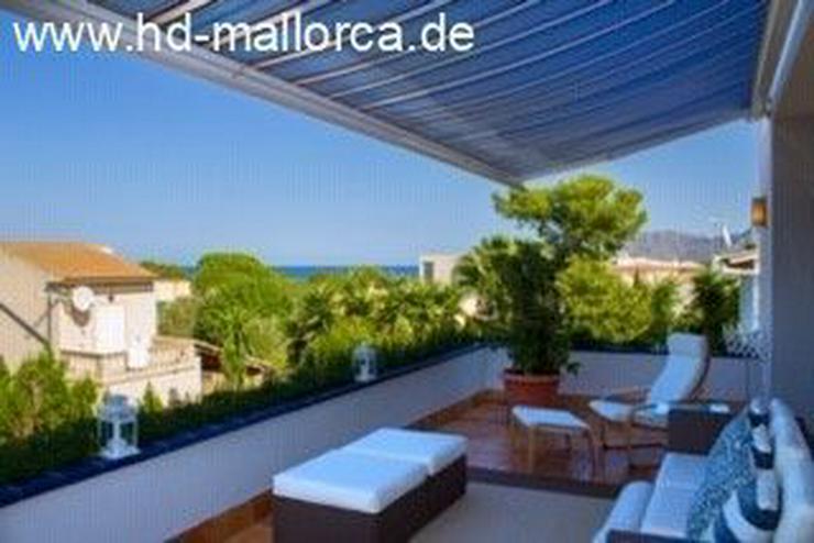 : Die blaue Villa zwischen dem Meer und den Bergen!