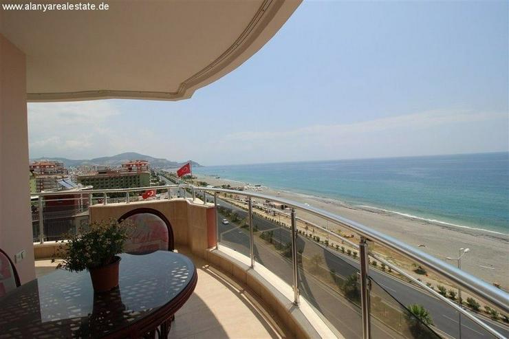 Bild 2: Luxus Residence in erster Meereslinie mit Pool und voll Panorama Meerblick