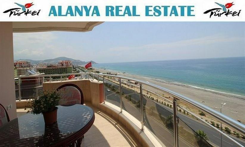 Luxus Residence in erster Meereslinie mit Pool und voll Panorama Meerblick - Wohnung kaufen - Bild 1