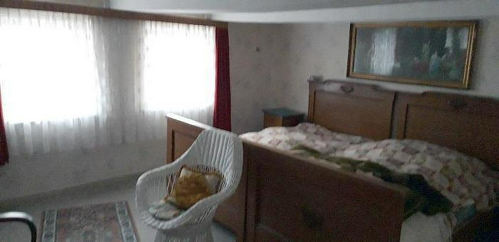 Bild 9: Inklusive Baugrundstück ! Sanierungsbedürftiges 2-Familienhaus mit Einliegerwohnung
