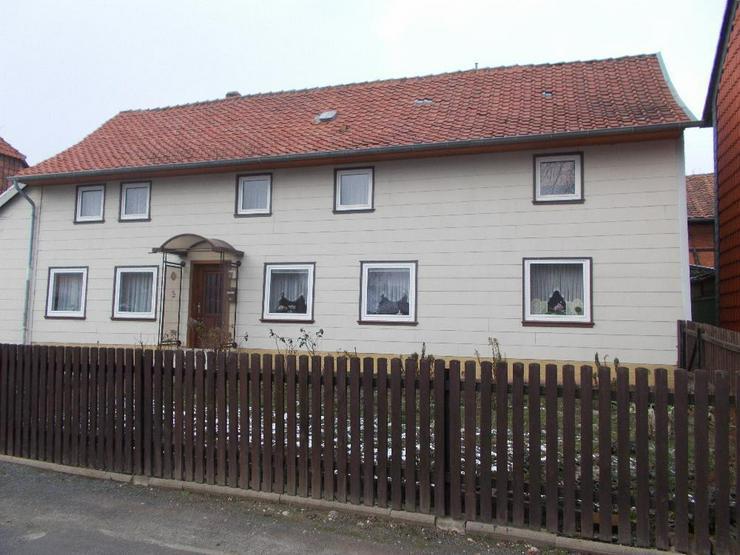 Inklusive Baugrundstück ! Sanierungsbedürftiges 2-Familienhaus mit Einliegerwohnung