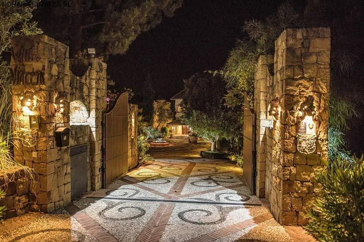 Bild 4: Villa in La Zagaleta with guest house