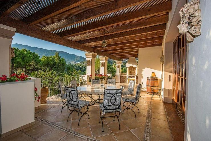 Bild 6: Villa in La Zagaleta with guest house