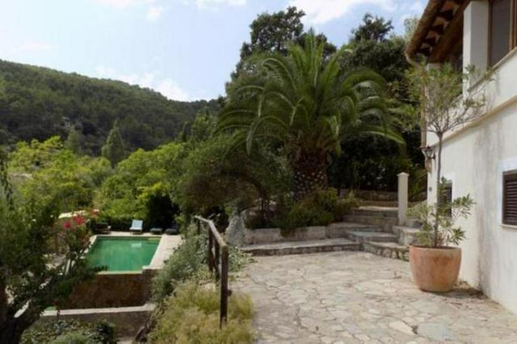 Bild 4: LANGZEITMIETE: ländliches Chalet bei Esporlas mit 4 Schlafzimmern und Pool