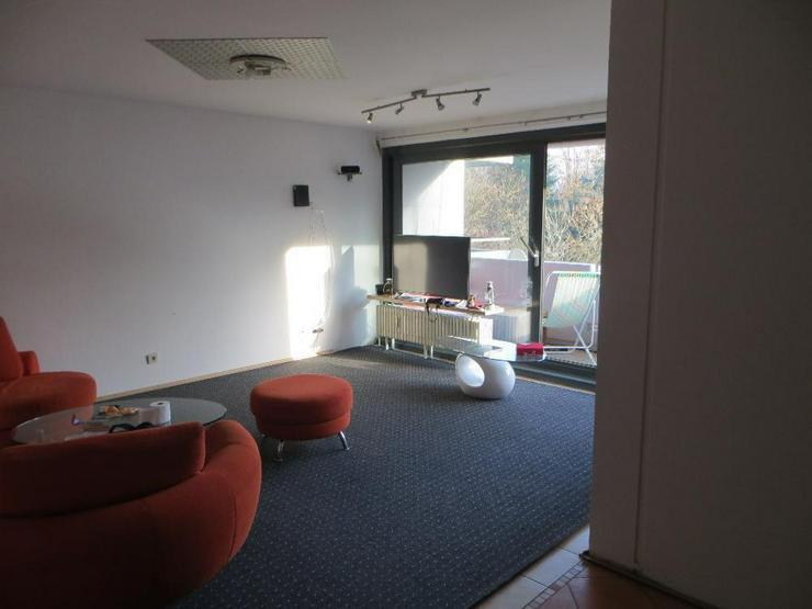 Gepflegte 3 ZKB Wohnung mit Balkon und Tiefgaragenstellplatz in Saarbrücken Güdingen