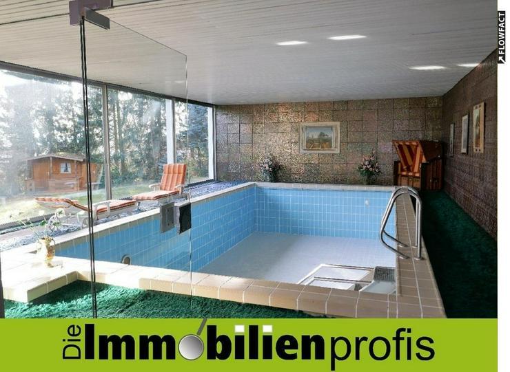 Exklusiver Bungalow mit Schwimmbad und parkähnlichem Garten in Leupoldsgrün