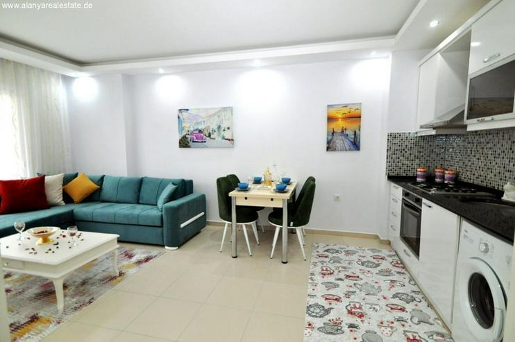 Bild 3: HOT OFFER Zwei Zimmer Wohnung komplett neu möbliert mit Pool