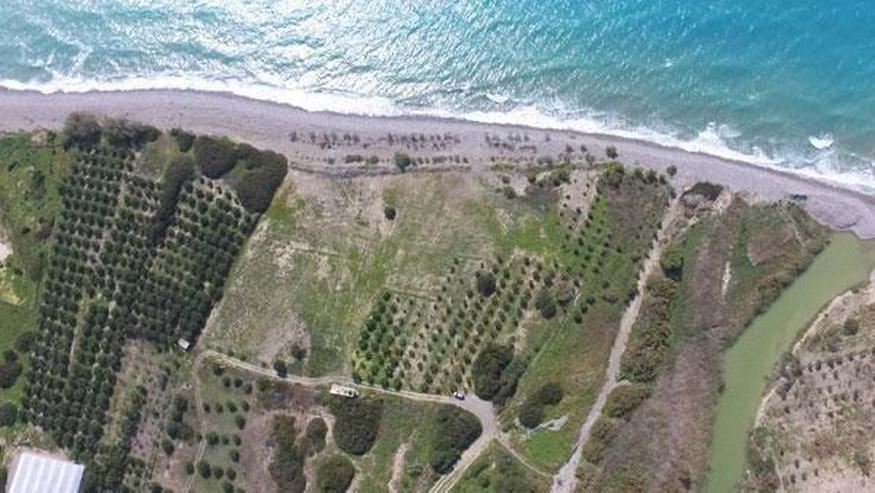 Fantastisches Strandgrundstück in Dermatos, Südkreta 24.000m² mit direktem Zugang zum S... - Grundstück kaufen - Bild 1