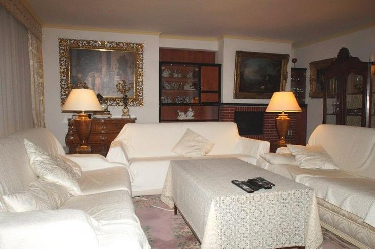 Bild 2: Geräumige Maisonette Wohnung mit Balkon