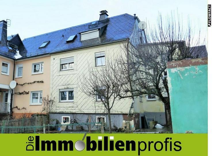Schön gelegene Doppelhaushälfte mit Garage und Garten in Berg OT