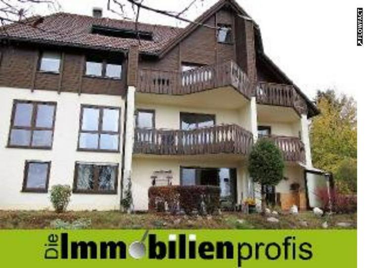 Moderne 2,5 Zimmer-Eigentumswohnung mit Balkon in Naila i. Frankenwald