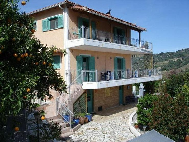 IL Privatverkauf Landhaus in Aigio-Hatzi (Peloponnes Griechenland)