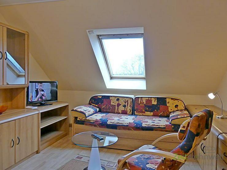 (EF0487_M) Dresden: Brießnitz, kleine möblierte Dachgeschosswohnung mit separater Küche...