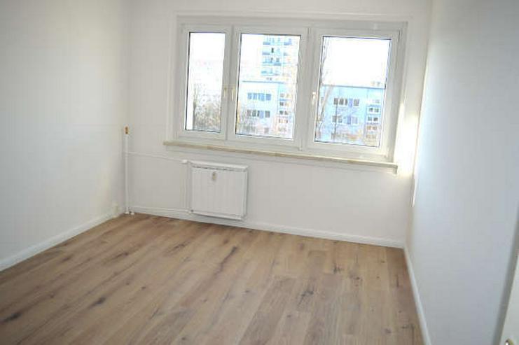 Bild 3: Modernisierte 4-Zimmerwohnung ohne Herd/Spüle
