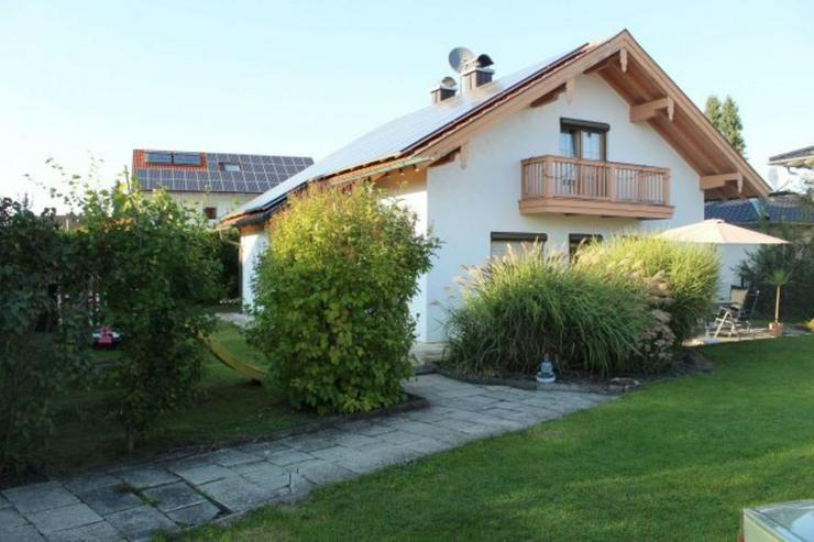 Bild 3: Einfamilienhaus, Garage, großes Grundstück, PV ?Anlage