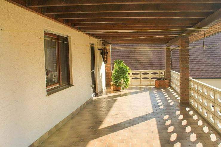 Bild 6: Renovierungsbedürftiges Zweifamilienhaus in idyllischer Lage
