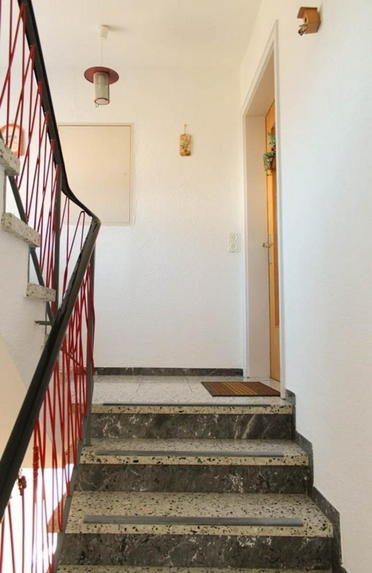 Bild 2: Renovierungsbedürftiges Zweifamilienhaus in idyllischer Lage
