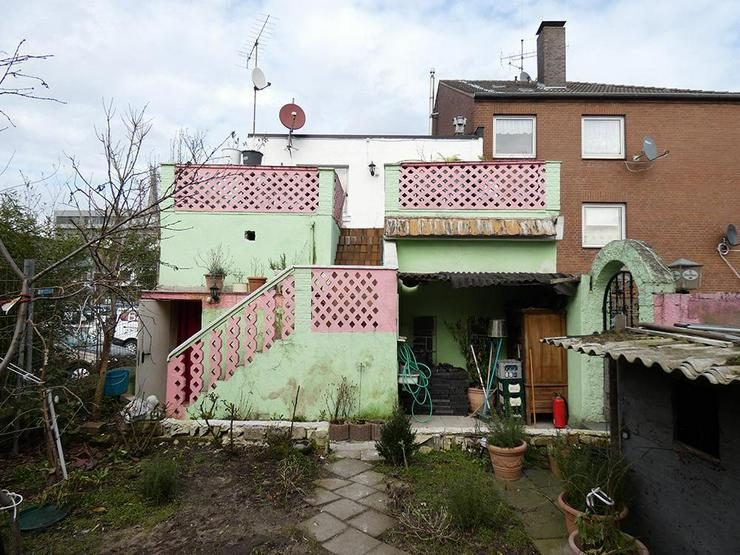 Bild 3: 2-Familienhaus mit Gewerbe im EG (Pizzeria)