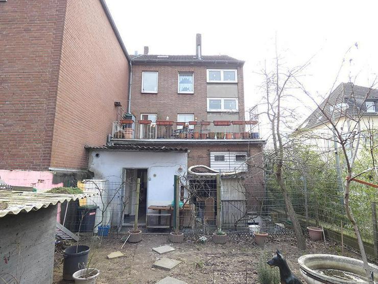 Bild 2: 2-Familienhaus mit Gewerbe im EG (Pizzeria)