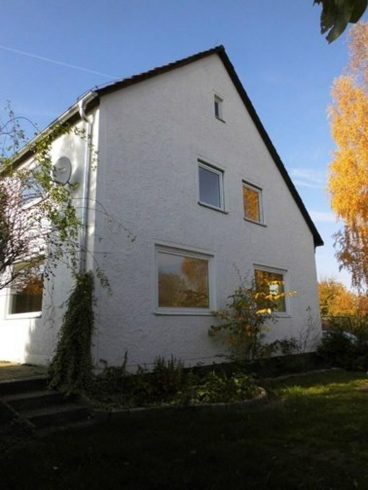 Gut gelegenes Ein-Zweifamilienhaus in Weddel