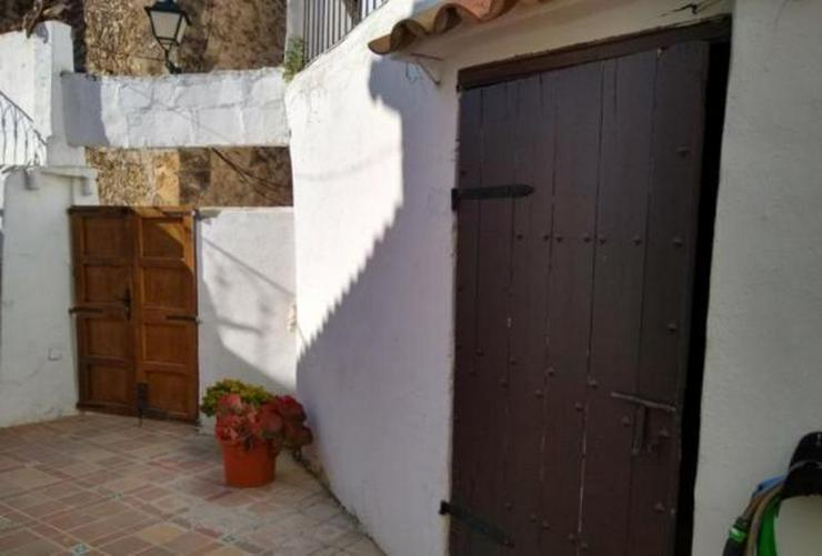 Bild 2: LANGZEITMIETE: Rustikales Dorfhaus mit Apartment in Puigpunyent