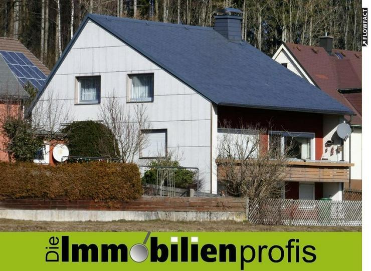 Modernisierungsbedürftiges, herrschaftliches Einfamilienhaus mit Grundstück in Helmbrech... - Haus kaufen - Bild 1