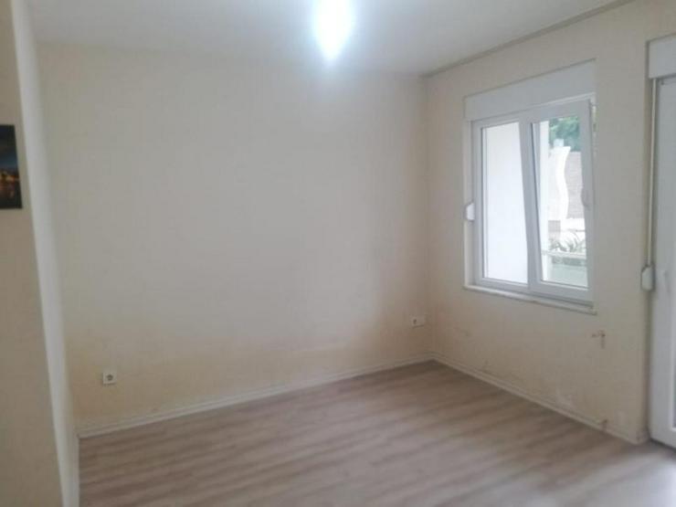 Bild 6: EG Wohnung mit 2 SZ in einer Anlage mit riesigem Gemeinschaftspool zum Schnäppchenpreis