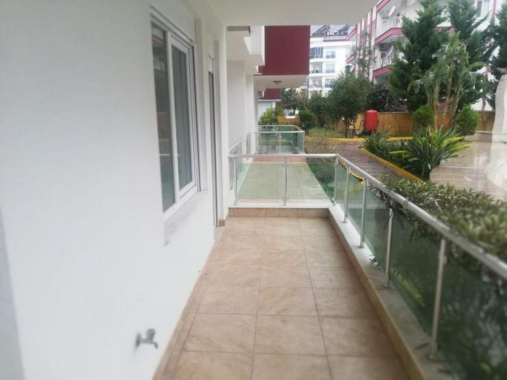 Bild 3: EG Wohnung mit 2 SZ in einer Anlage mit riesigem Gemeinschaftspool zum Schnäppchenpreis