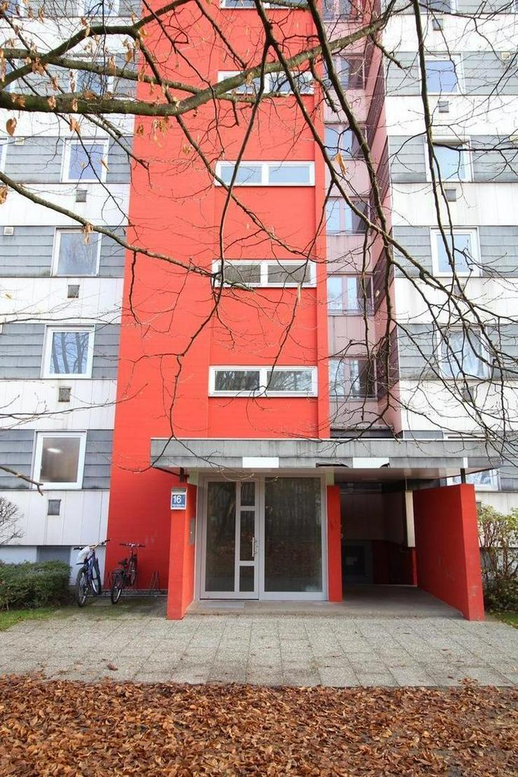 Neu renovierte 3-Zimmer-Wohnung im 6. OG mit schöner Aussicht!