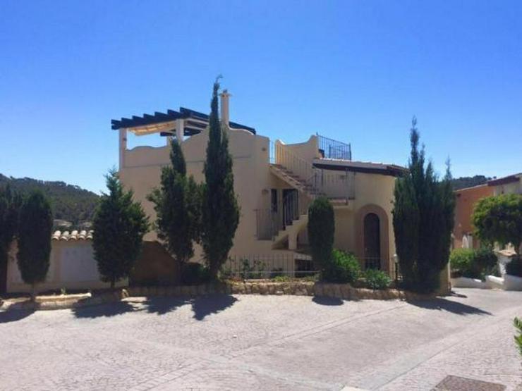 LANGZEITMIETE: Reihenhaus in Camp de Mar mit Pool und Gästewohnung