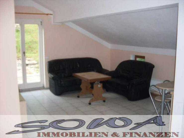2 Familienhaus mit Garten, 2 Garagen und Stellplatz - Ein Objekt von Ihrem Immobilienexper...
