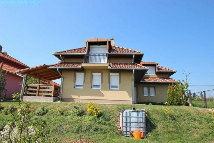 Bild 2: Zweifamilienhaus bei Héviz