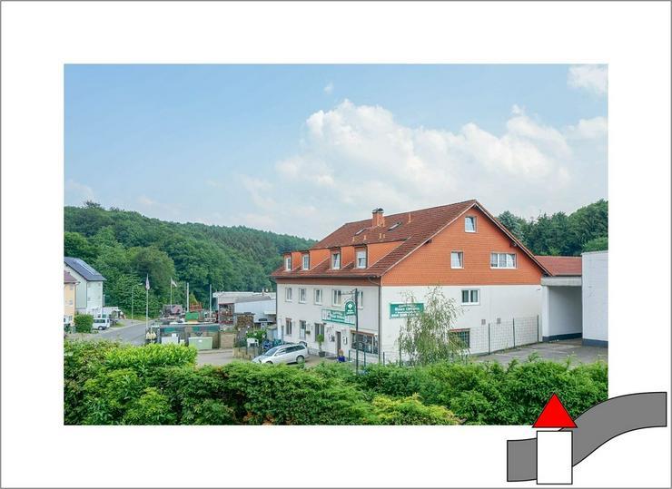 Werden Sie zum Vermieter: Mehrfamilienhaus mit 6 Wohneinheiten und viel Nutzfläche