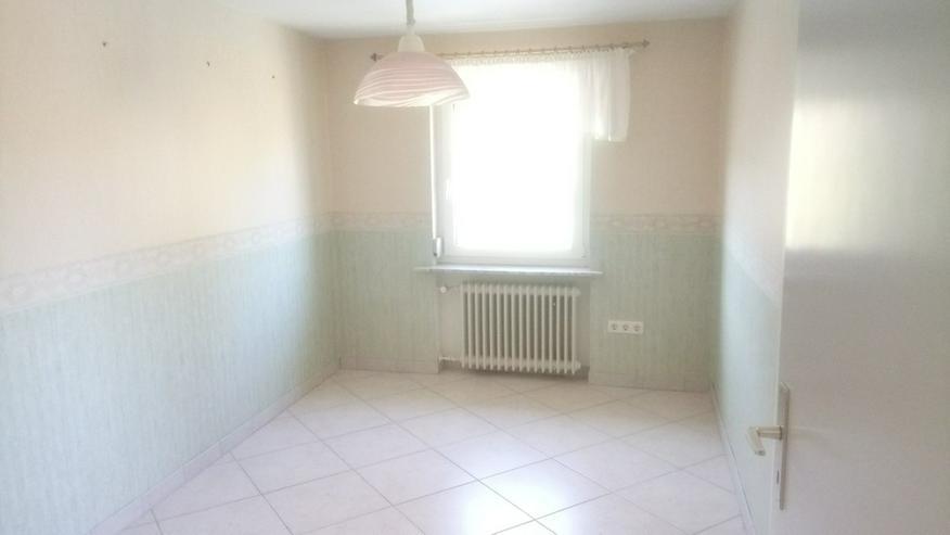 Bild 5: 4-Zimmer-Wohnung mit Einbauküche und Balkon in Helmbrechts-Wüstenselbitz