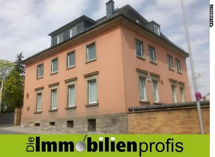 Großes Büro- oder Praxisgebäude mit vielen Stellplätzen in Top-Lage Hof/Saale