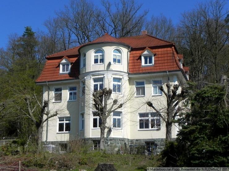 Wohnen in einer Gründerzeitvilla in parkähnlicher Anlage
