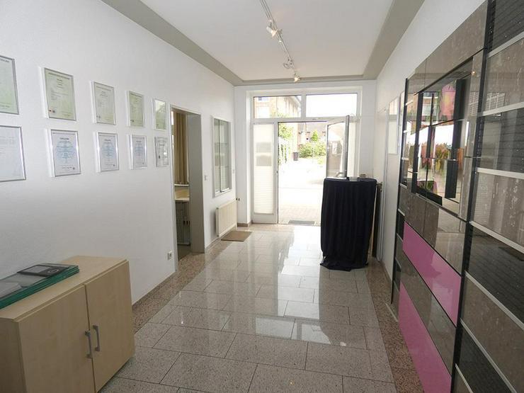 Bild 6: Gewerbehalle (ca. 180 m²) mit repräsentativen Büroräumen (ca. 107 m²)!