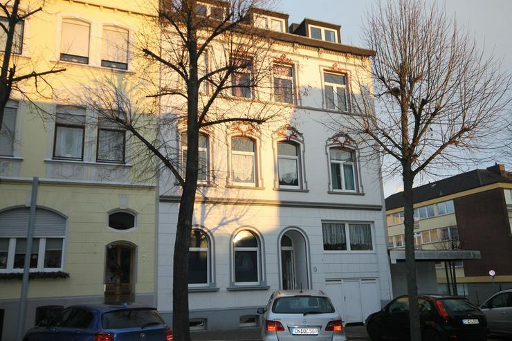 Gemütlcihe Wohnung in sehr schönem Haus, central in Düren!