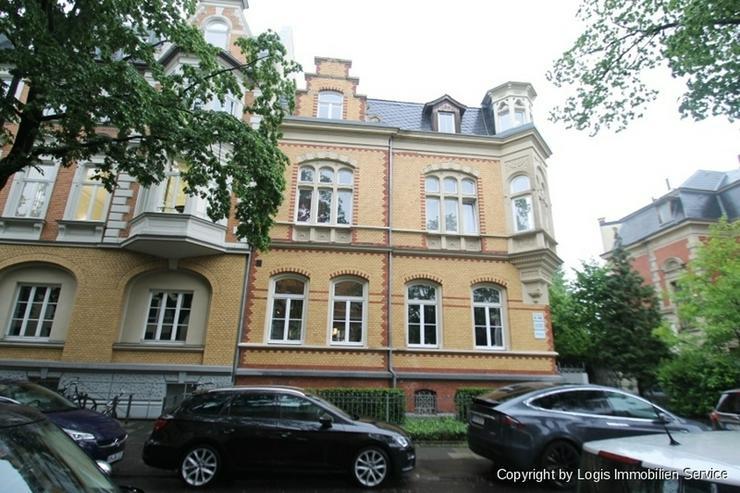 Stilaltbau im Musikerviertel! Großzügige und modernisierte Drei-Zimmer-Wohnung mit zwei ...