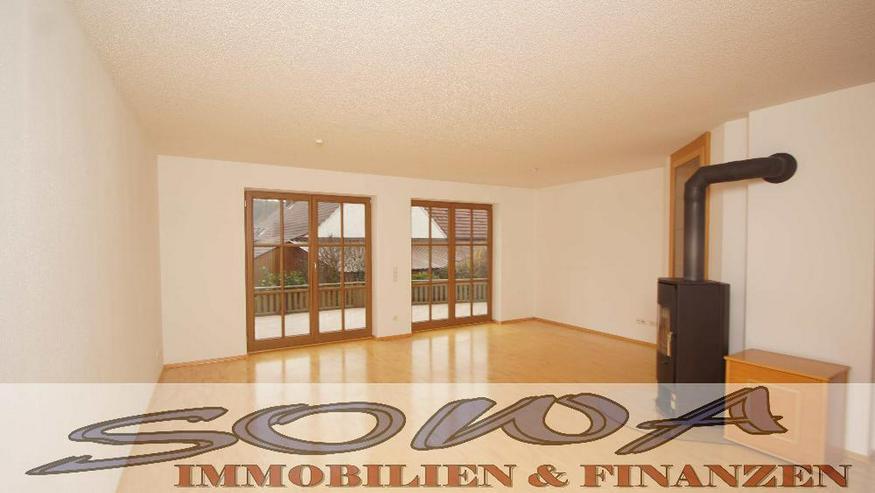 Erdgeschoss Wohnung mit hellem Kellerraum mit extra Eingang (z.B. Büro) im 2 Familienhaus...