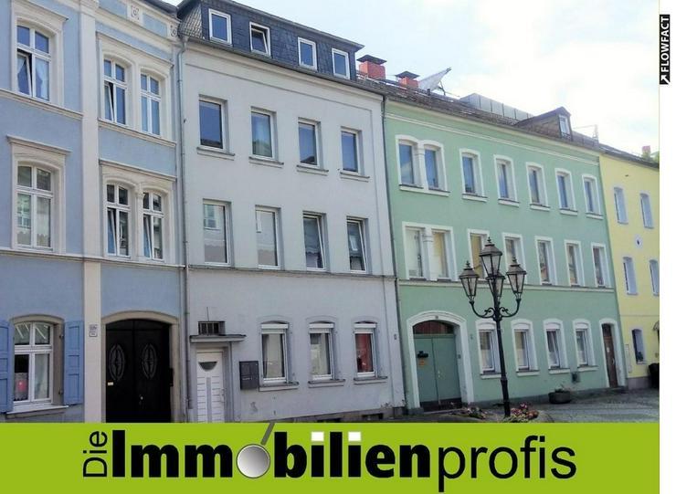 Wohnen am Schloßplatz ? WG-geeignete 2-Zimmer-Dachgeschoßwohnung in Hof