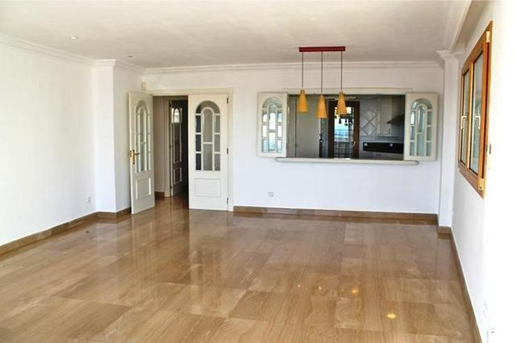 Bild 3: LANGZEITMIETE: exklusive Wohnung mit 4 Schlafzimmern und Hafenblick